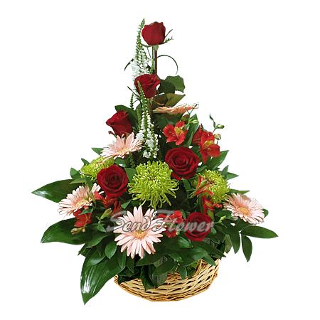 Корзина с розами, герберами, хризантемами