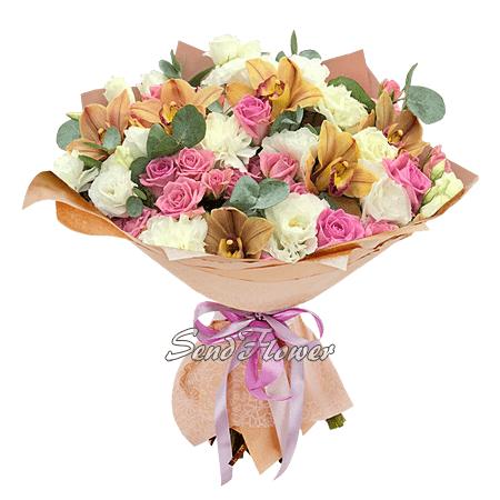 Букет из роз, орхидей и лизиантусов