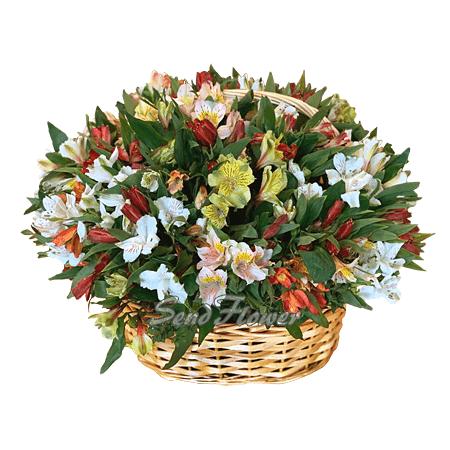 Букет из разноцветных тюльпанов в вазе