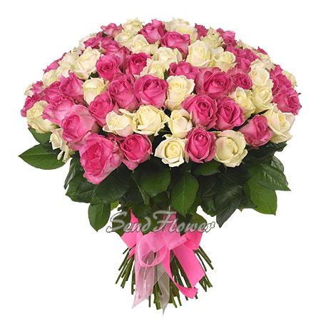 Букет из белых и розовых роз (50 см.)