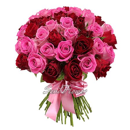 Букет из красных и розовых роз (60 см.)