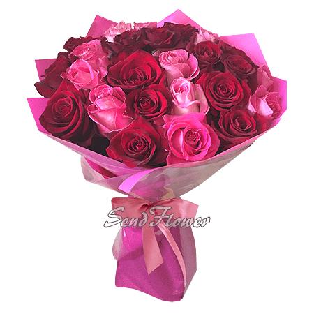 Букет из роз в красных тонах (80 см.)