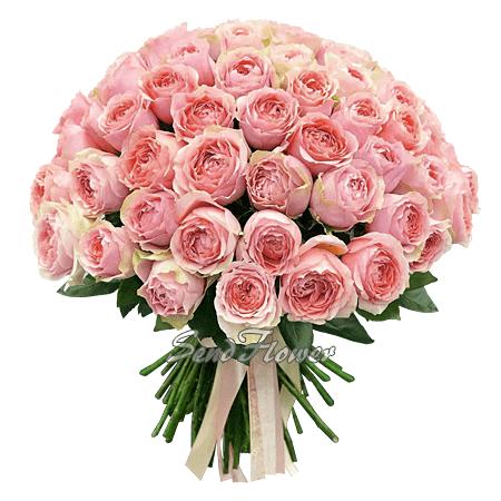 Букет из пионовидных роз.